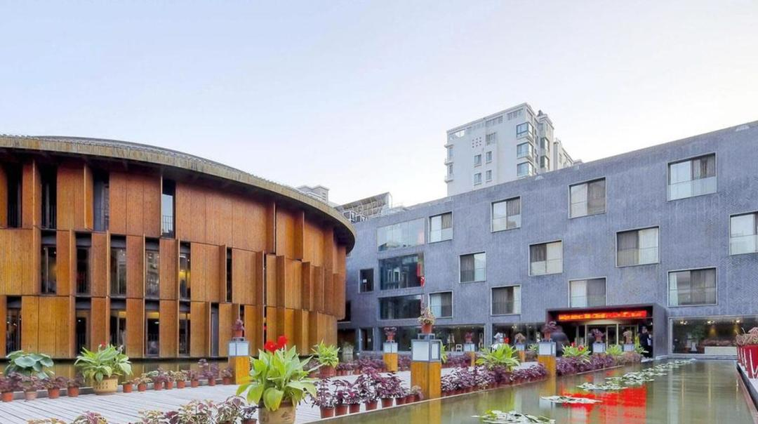 青岛CHINA公社文化艺术酒店.jpeg
